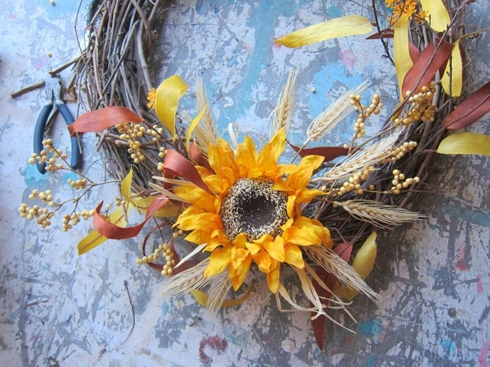 making a grapevine sunflower wreath