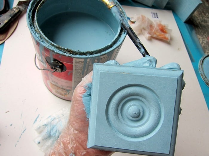 paint a wood block turquoise