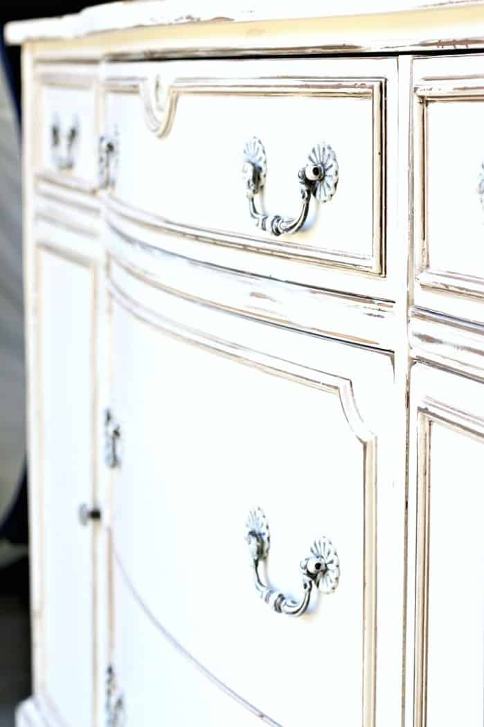 tutorial on how to create an antique white paint finish on furniture