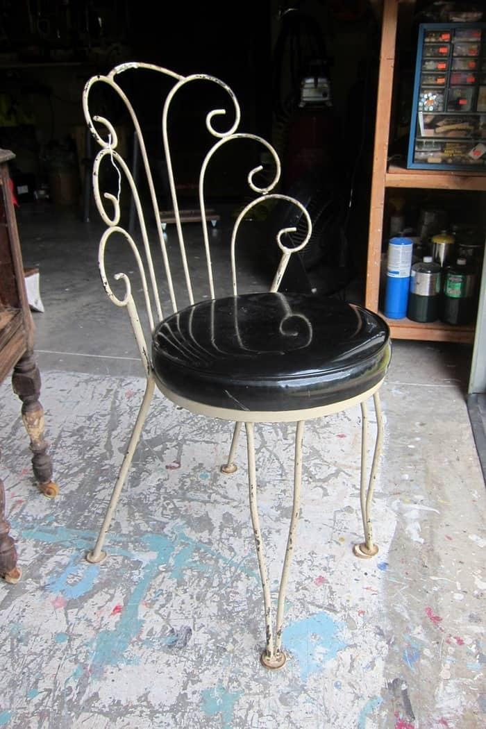 vintage find,s vanity chair