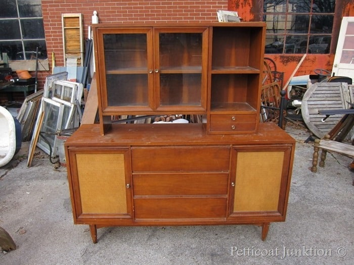 vintage sideboard and hutch to paint
