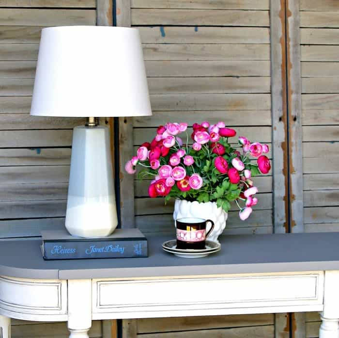 two tone foyer or console table painted white with neutral accent colors