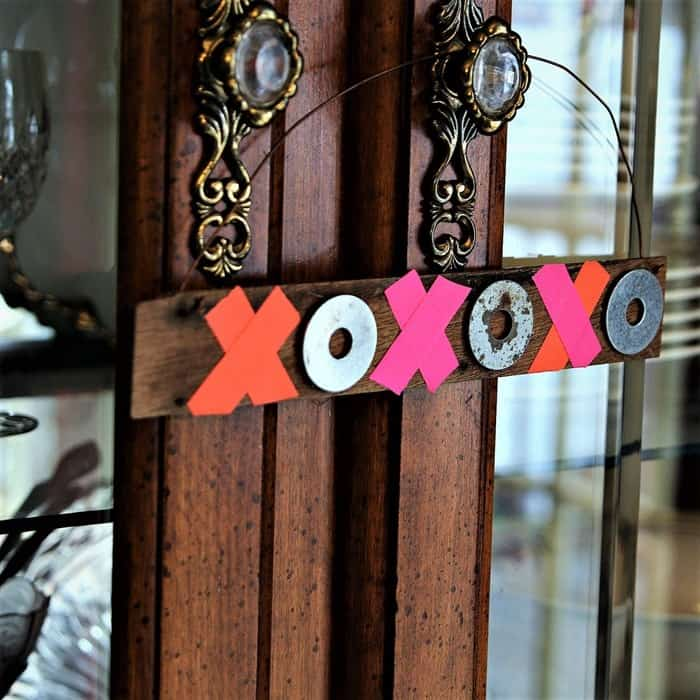 How To Make XOXO Hugs And Kisses With Junk Stuff (4)