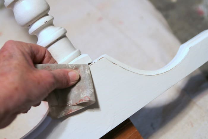 Distress Latex Paint Using Sandpaper - Dresser Makeover