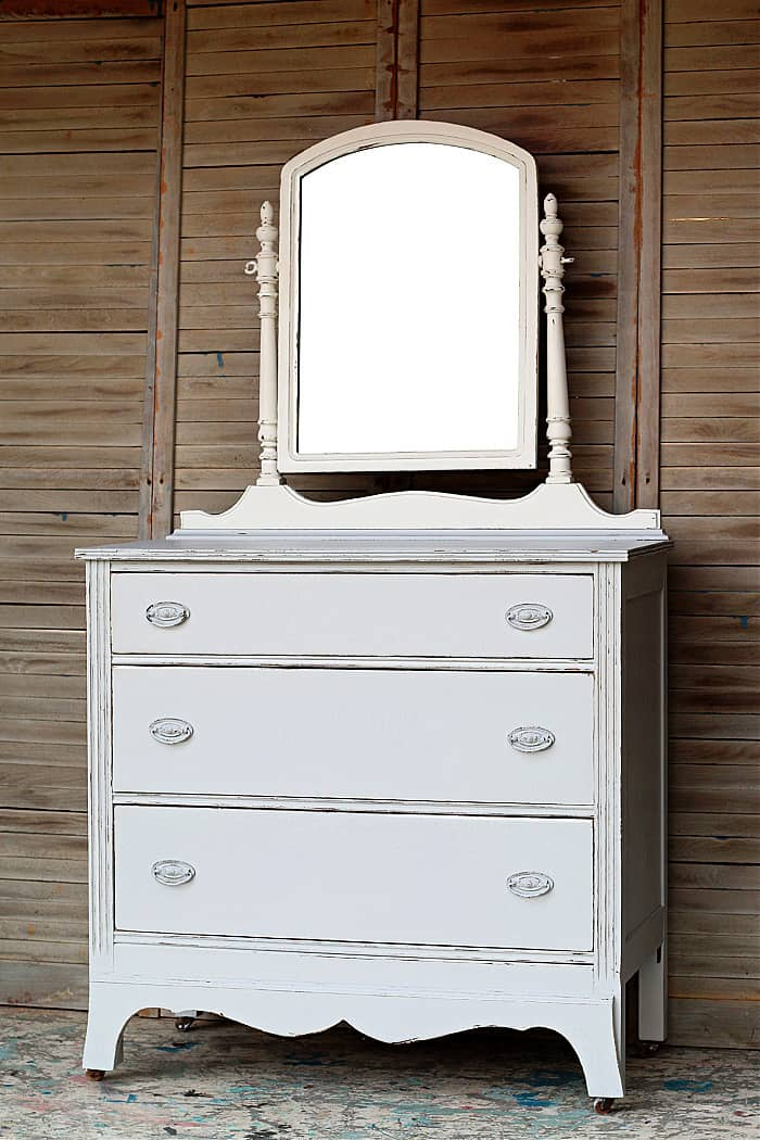 how to distress latex painted furntiure - dresser makeover