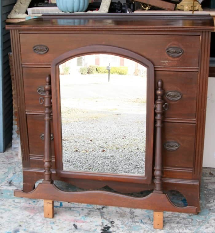 vintage dresser with mirror to paint