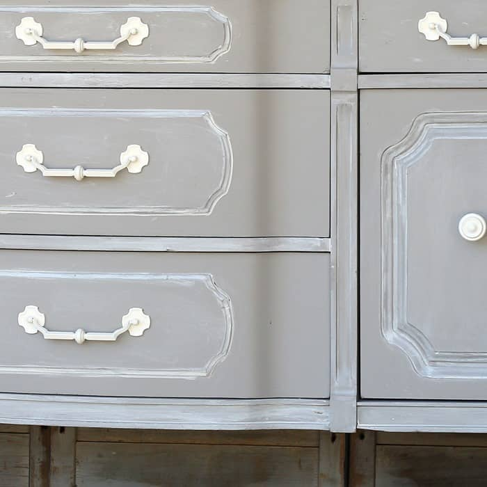 Special Paint Technique For Better Furniture Makeovers