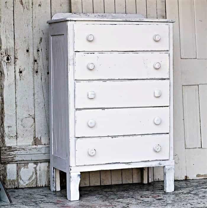trash to treasure coastal white furniture makeover idea (2)