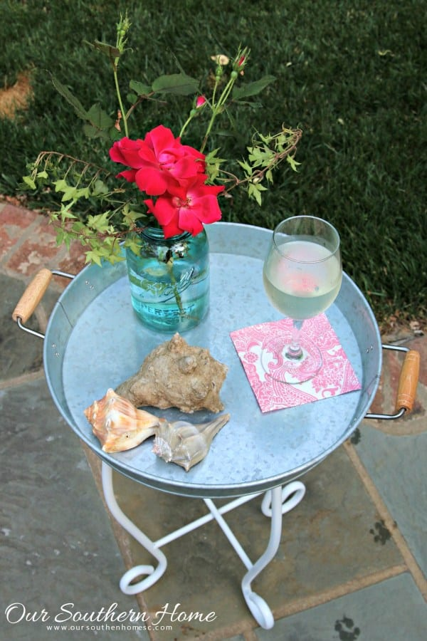 Small outdoor table from Our Southern Home, DIY Outdoor Decorating Ideas