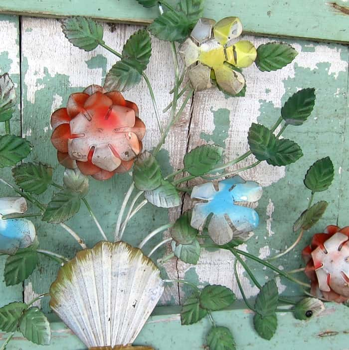 beautiful vintage metal flowers for garden or lawn decor