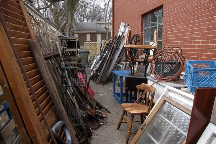 shopping trip to a favorite junk shop looking for junk treasures (4)