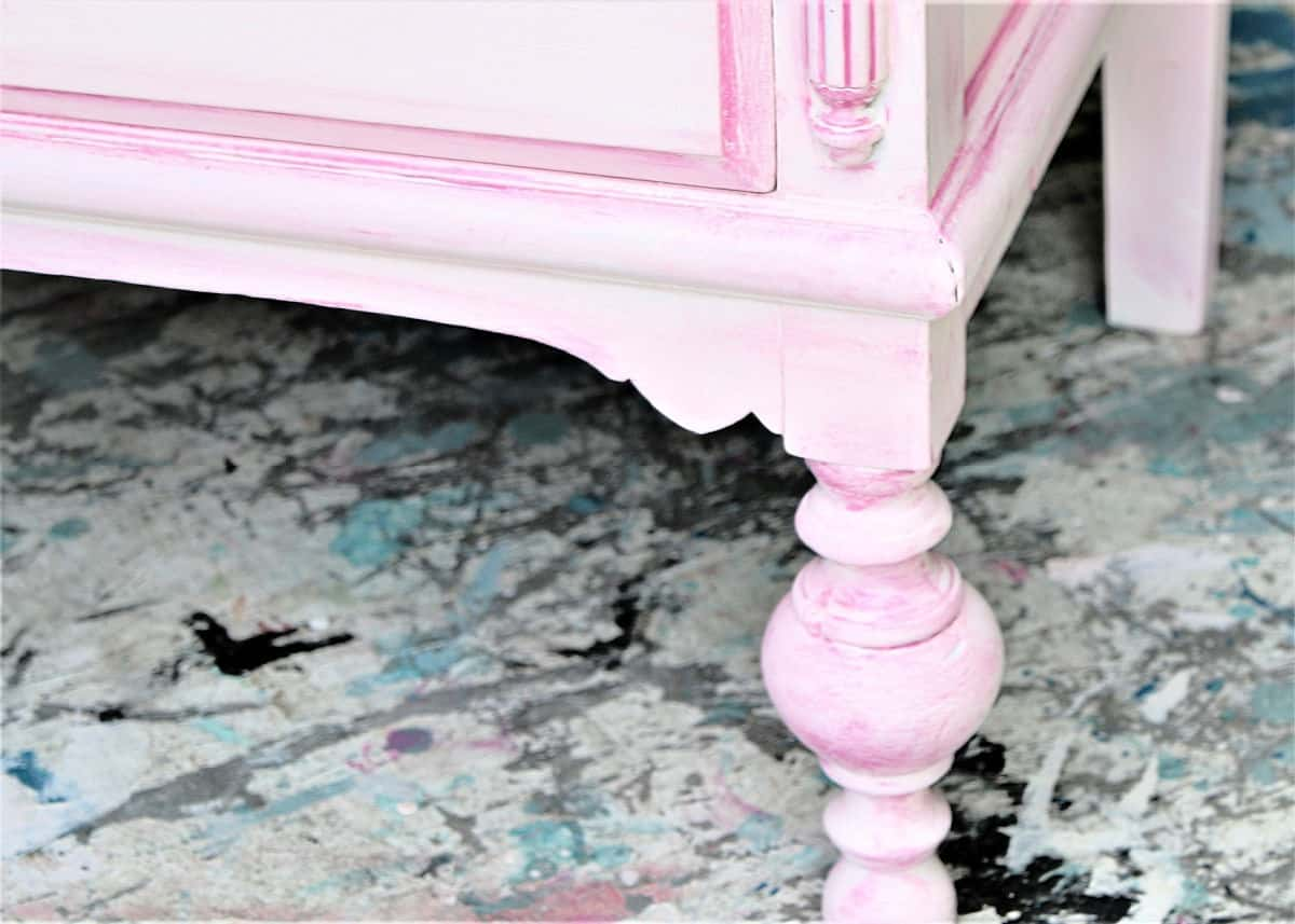 the perfect paint color for vintage furniture using oops paint