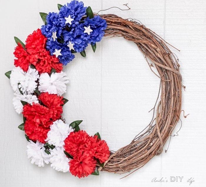 Easy-Patriotic-wreath-tutorial-Anikas-DIY-Life-700-2a