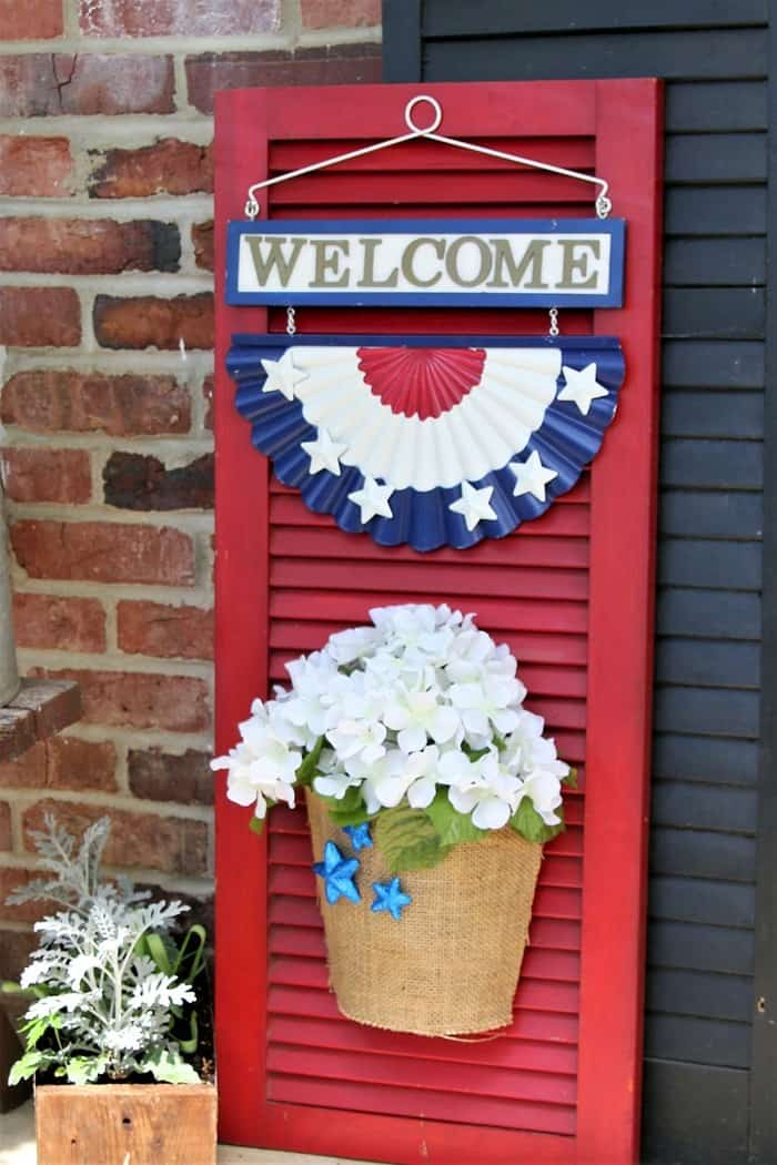 How to Make A Front Porch Welcome Shutter Sign For Summer Decorating