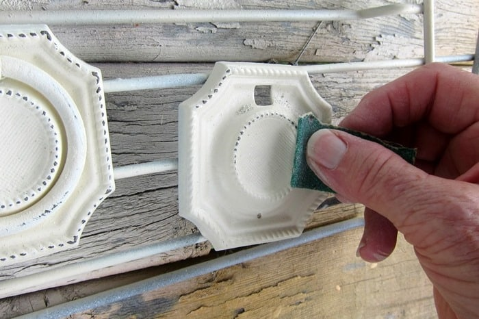 how to distress painted furniture knobs and drawer pulls (2)