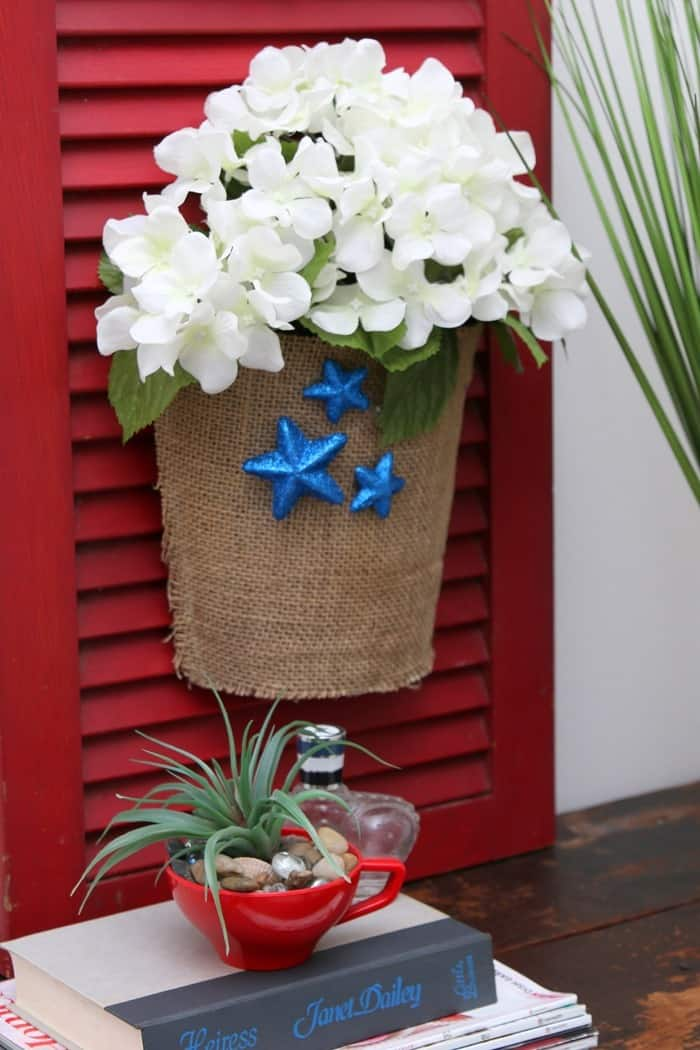 how to make a red white and blue patriotic shutter sign using an old shutter (10)