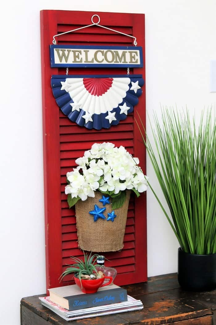 how to make a red white and blue shutter sign using an old shutter (11)