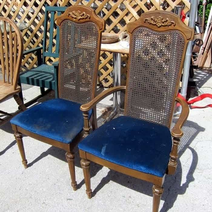 vintage-chairs-with-fabric-seats-for-painting-and-recovering_thumb