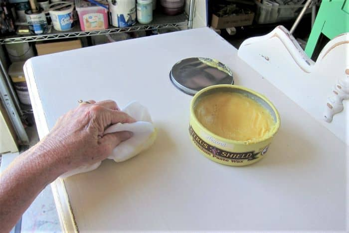 How to use wax on distressed furniture