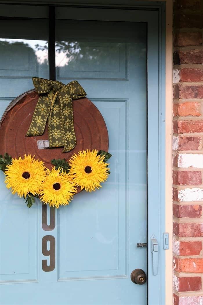 front door wreath with sunflowers (2)