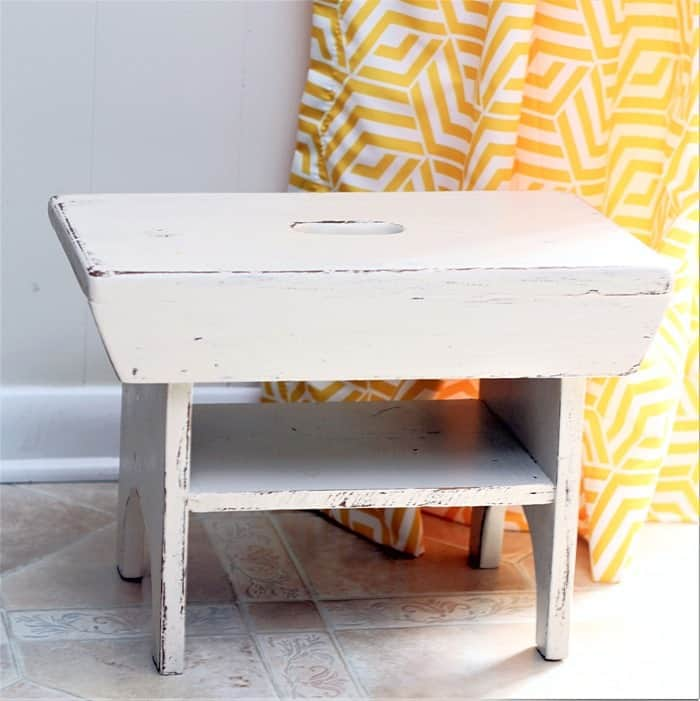 how to paint a small stool with white paint and distress the paint