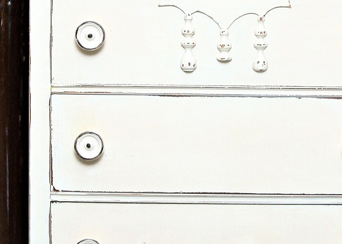 how to paint vintage furniture and make it look old