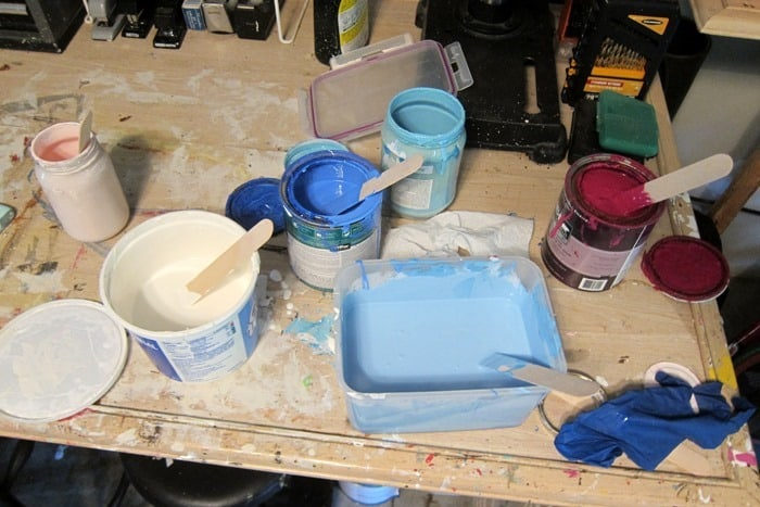 mixing paint colors to make custom latex paint color