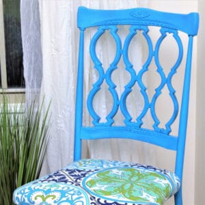 How to spray paint vintage metal dining chairs and re-cover the fabric seats