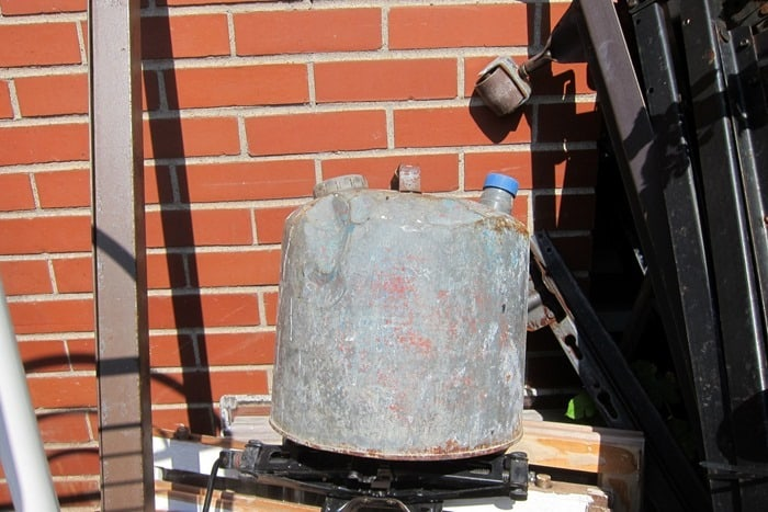 old oil or gas can found on shopping trip by Petticoat Junktion
