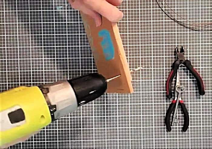 how to use the drill to make a hanger